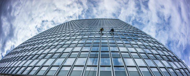 Window cleaning at a university using abeil